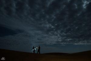 LIGHTPAINTERSUNITED #3 MERZOUGA MEETING 2018. Foto: Frodo DKL (Children of Darklight). Model: Frodo DKL & Patry Diez.